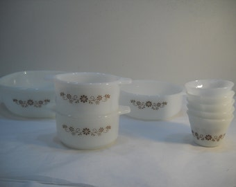 Lot Of Dynaware Pyr-O-Rey Brown Daisy Floral Milk Glass Custard Cups & Bakeware FREE SHIPPING