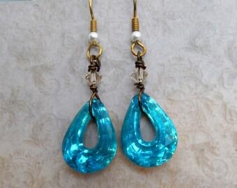 Aqua Blue Jewel Earrings, Turquoise Jewel EArrings, Vintage Stones, Tear drop earrings,  Vintage Earrings