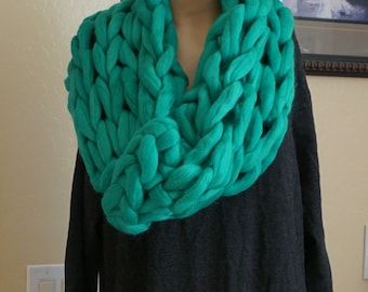 Super Chunky infinity scarf, knitted scarf, cowl, snood, chunky scarves, knit scarf, Circle Scarf, Christmas Gifts for her, Big yarn scarf.