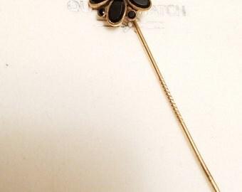 Vintage Victorian black onyx 10k gold flower pin brooch
