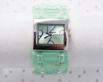 Montre bracelet en verre fusionné verte menthe