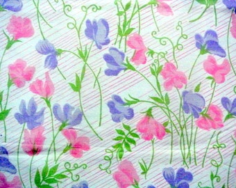 Vintage quilt fabric in highquality unused prewashed cotton with printed purple/ pink sweet pea pattern on white striped bottomcolor