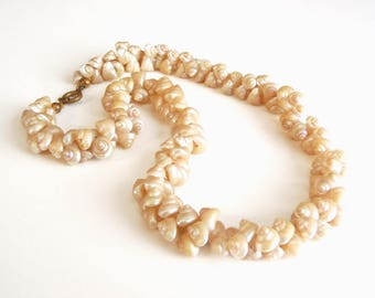 Vintage 1930s Trochus Shell Necklace Small Creamy Iridescent Shimmering Natural Sea Shells Opalescent Nacre Exotic Jewelry