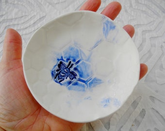 Blue Bee Dish, Bee Ring Bow, Ring dish, Blue and White Porcelain, small bowl, ceramic bowl, Hexagon pottery, trinket bowl, teabag holder,