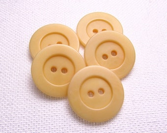 "Pale Cantaloupe: 7/8"" (22mm) Light Orange Buttons - Set of 5 Matching Buttons"