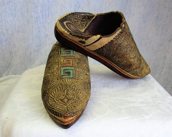 Vintage Small Babouche Gold Bullion Wire Moroccan Middle Eastern India Slippers Shoes