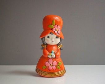 Vintage Kitsch Girl in Bonnet Coin Bank