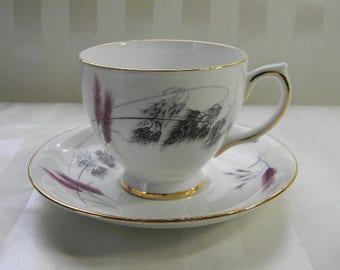 TEACUP, Vintage Ainsdale Bone China Teacup