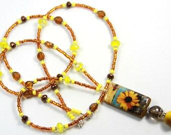 SUNFLOWER - Beaded badge holder, Sunflower badge holder, Sunflower lanyard, Floral badge holder, Yellow brown badge holder, Bee lanyard
