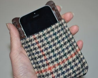 Pendleton iPhone Sleeve Pendleton Wool iPhone Sleeve Cover Case Pendleton iPhone Wallet plaid and leather slip sleeve electronics cases