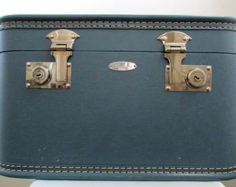 1950s Arflite blue train vanity case with mirror