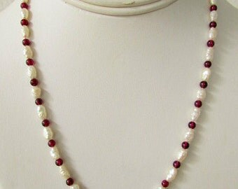vintage 80s fresh water pearl and garnet necklace screw back