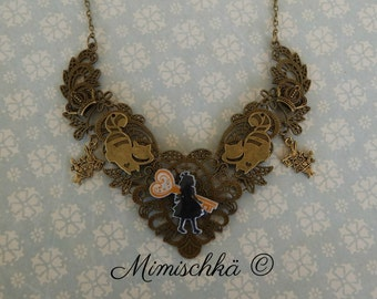 necklace alice in wonderland
