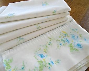 Vintage Blue Rose Sheet / Flat Sheet / Double / Full Flat Sheet / Cottage Sweet Bedding / Shabby Chic Sheet / Vintage Blue Rose Fabric