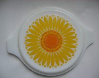 "Vintage Collectible Pyrex 20-C 7"" Replacement Lid for Casserole Dish//Sunflower Milk Glass//Vintage Pyrex"