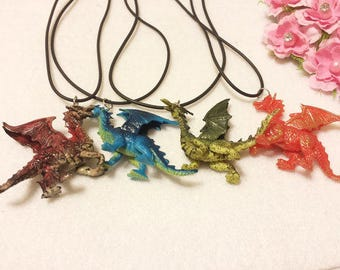10 Dragon Necklaces Party Favors