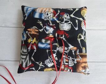 Day of the Dead wedding ring pillow. Halloween. Gothic wedding. Skeleton wedding .
