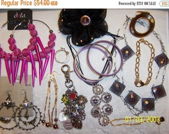 20 OFF SALE, Vintage Jewelry (Lot 95). Big and Bold.