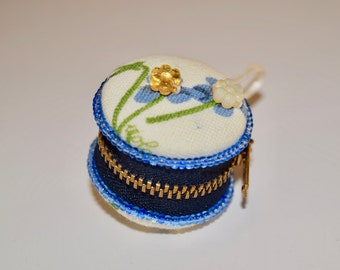 Small Beaded, Blue/White, Floral MACAROON to store jewelry, coins, pills...