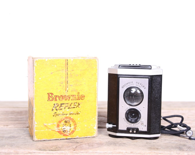 Vintage Kodak Kodak Brownie Reflex Camera and Box / Antique Kodak Camera / Old Kodak Camera / Retro Camera / Display Prop Collectible Camera