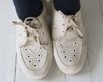 Off-white vintage laced shoes oxfords