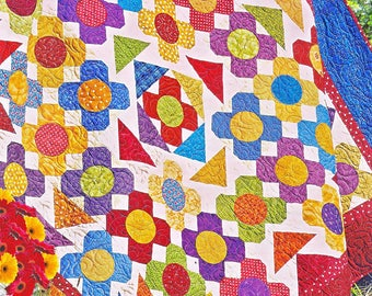 TOOTSIE | Quilt Patterns | PDF Pattern | Pieced Quilts | Floral Quilts | Applique Quilts | Happy Quilts | Fun Quilts