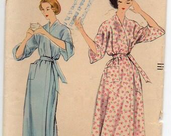 Front Wrap Robe Dropped Shoulder Bathrobe Housecoat Vintage Plus Size Large Sewing Pattern Vogue 9248