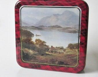 Vintage Simmers of Hatton, Aberdeenshire Biscuit Tin
