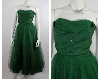 HOLIDAY SALE Vintage 1950's Prom Dress // Emerald Green Tulle Cupcake Dress // Strapless Party Dress with Shelf Bust & Layered Tulle // Size