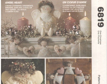 1993 - McCalls 6819 Vintage Sewing Pattern Angel Heart Ornament Wreath Garland Doll Tree Topper Country Christmas Decoration Holiday Uncut