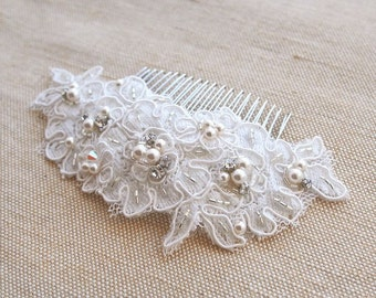 Bridal Lace Comb, Bridal Hair Comb, Lace Hair Accessories, Wedding Hair Comb, Lace Hair Comb, Bridal Hairpiece, Wedding Headpiece, Pearls