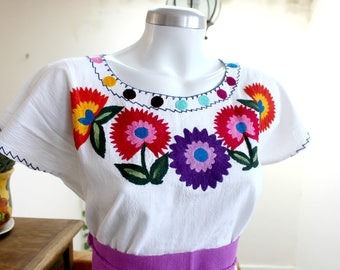 Embroidered mexican top,White Manta,cotton blouse,Multicolor Floral,hand Embroidery,Carnations,Boho shirt,bohemian Tunic,Belt (fajo), Women.