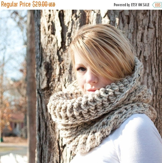 WINTER SALE The Chunky Cowl Neckwarmer  Scarf - Natural - Wool Blend