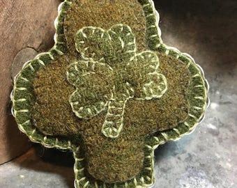 Vintage Wool Applique Shamrock Cookie Cutter FAAP