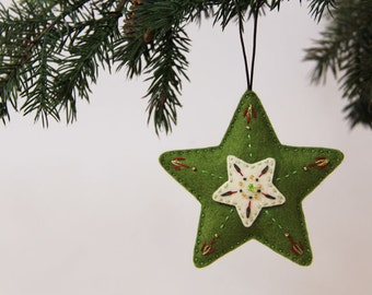 Nikkie's Star Ornament - Green and Cream