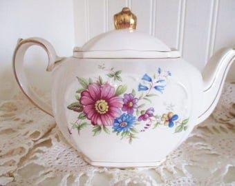 Vintage Sadler 2 cup cube teapot, 1940s floral cube teapot, tea for two tea pot, tea maker,  excellent condition