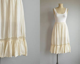 Vintage 70s Gauze Skirt / 1970s Cream Natural Crochet Ruffled Skirt / Festival Fashion Skirt