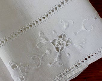 Vintage Linen Towel White Runner Cutwork Openwork Hand Embroidery Italian Guest