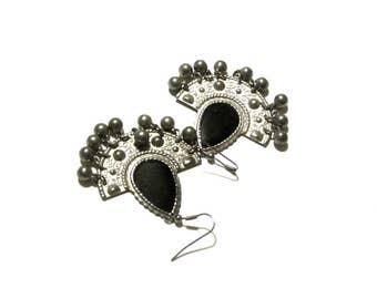 Silver Fan and Black Enamel Dangle Bead Earrings Bohemian Stamped Metal Fan Gypsy Hippie Girl Wires