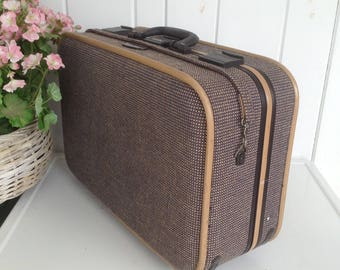 """Skyway USA Tweed Luggage Suitcase Golden Brown Black Interior Combination Lock Great Extra Storage w Wheels 21"""" x 14 x 9"""" w Pull Handle"""