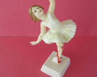 Vintage Royal Worcester Red Shoes Ballerina Figure # 3258 Made In England By Freda Doughty