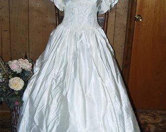 """Wedding dress  with very long train and veil 80""""s very fluffy"""