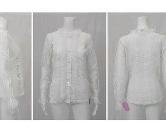 SHIP N SHORE Limited Edition White Lace Blouse Size Small to Medium