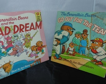 Vintage 1980s Berenstain bears books bad dream Go out For The Team Stan Jan Berenstain PB