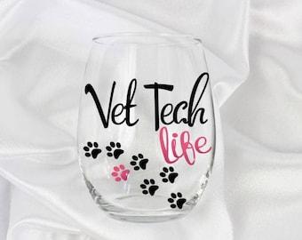 Vet tech graduation, Vet tech gift, vet assistant, gift for vet tech, vet gift, veterinarian gift, 20 oz