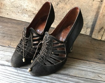 1930s Brown Suede High Heeled Dress Shoes, 4 inch Pumps, Made in Belgium, Oxford Lace Ups