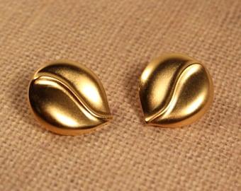 Avon Satin Swirl Clip Earrings Gold Tone - Vintage 1987