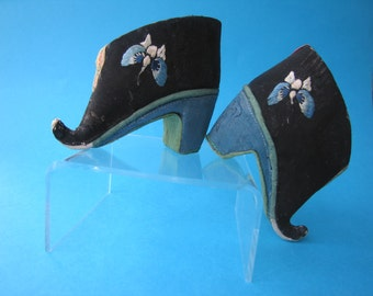 Antique Chinese TINY Lotus Shoes for Bound Feet with RARE CURLY Toes - 19thc.
