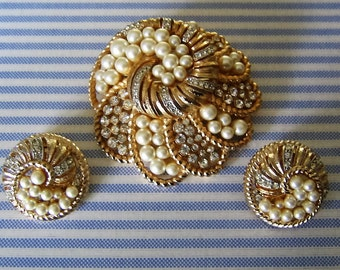 Vintage Designer Faux Pearl & Rhinestone Demi Parure Set, Brooch w Earrings Gold Tone Collectible Designer Costume Jewelry Pin Gift Bridal