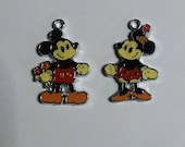 Adorable Disney old school style Minnie and Mickey Mouse Enamel Clip Charm, zipper pull, backpack, cell phone, purse clip, jewelry or scrap